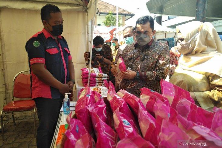 Gubernur Gorontalo minta panitia pasar murah tak layani warga tak bermasker