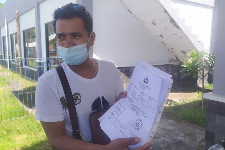 Belasan pekerja migran diizinkan menyeberang dari Padangbai ke Lombok