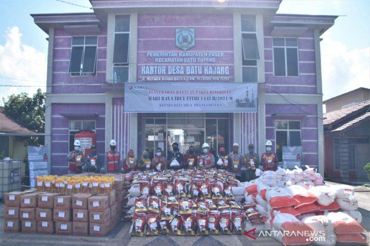 Kideco bagikan belasan ribu paket hari raya kepada warga lingkar tambang
