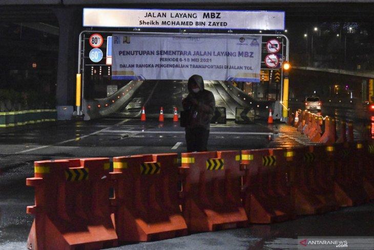 Polda Metro Jaya putar balik 1.070 kendaraan hari pertama larangan mudik