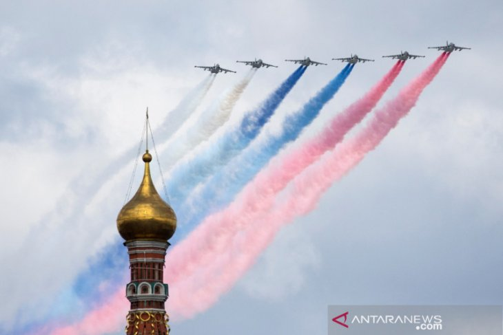Putin tinjau kekuatan militer Rusia, ketegangan dengan Barat naik