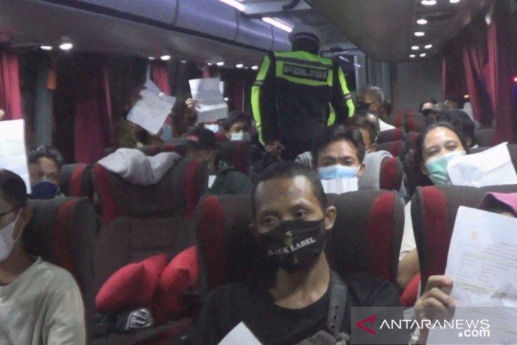 Pelabuhan Gilimanuk Bali ditutup terkait larangan mudik (video)