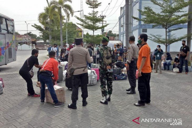 Dipulangkan dari Malaysia, 33 pekerja migran kembali tiba di Pamekasan