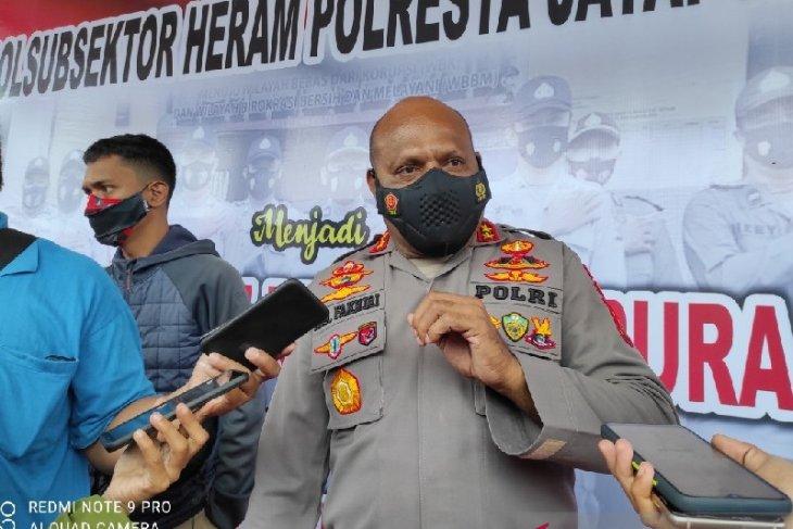 Warga mengungsi saat kontak tembak TNI-Polri dengan KKB