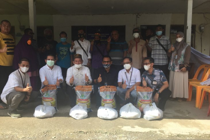 Jelang lebaran, FK BUMN Aceh salurkan bantuan untuk tunanetra