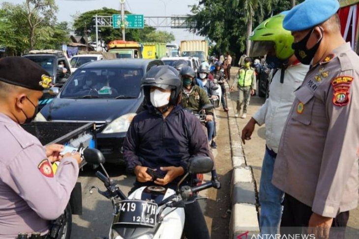1.500 kendaraan diputar balik di titik penyekatan jalur arteri Bekasi