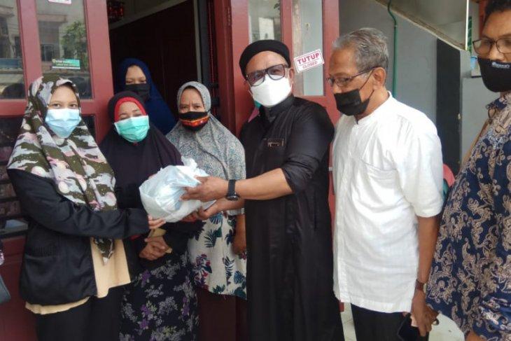 Ringankan beban masyarakat, PLN Aceh bagi bingkisan untuk  Anak Yatim dan Fakir Miskin