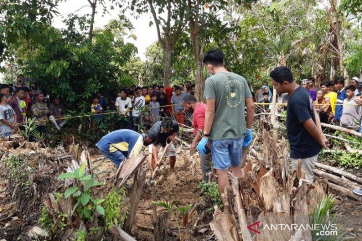 Polres HST belum tetapkan tersangka kasus mayat dalam karung di Desa Tabat