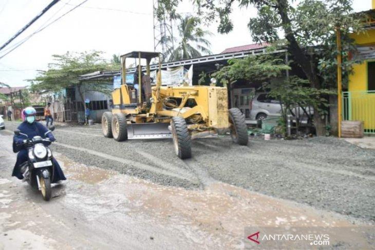 Pemkot Banjarmasin kebut perbaikan jalan Cemara Ujung