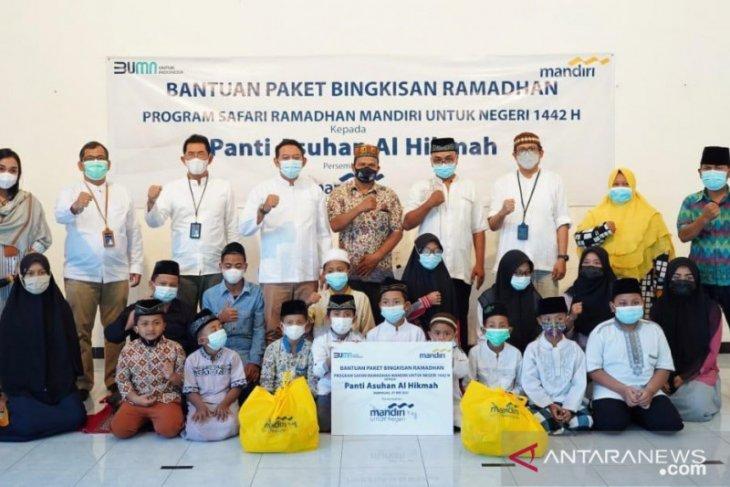 Bank Mandiri Bali-Nusra bagikan 2.700 paket bahan pokok kepada panti asuhan