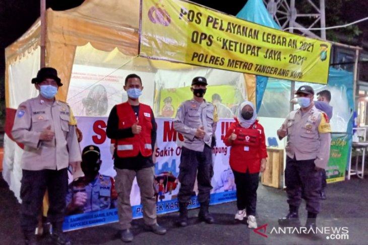 PMI Kota Tangerang siagakan motor respon dan ambulance di jalur penyekatan