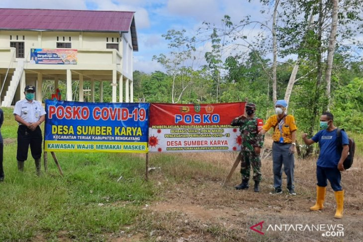 Satgas COVID-19 Kabupaten Bengkayang beri perhatian pada posko PPKM perbatasan