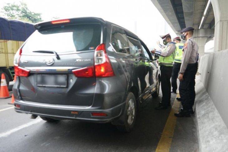 Jasa Marga: 648 kendaraan diputar balik di Tol Japek  pada 6 Mei 2021