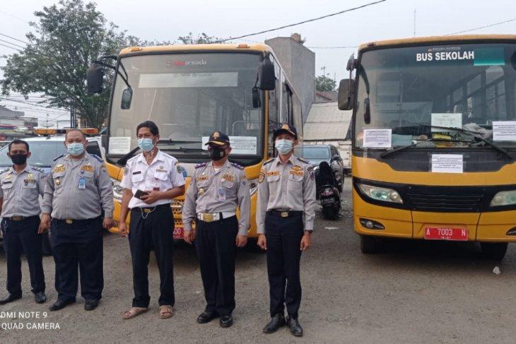Dishub Banten bantu bus untuk pelayanan penumpang pekerja