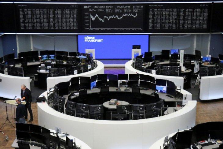 Adidas angkat saham Eropa ke rekor tertinggi