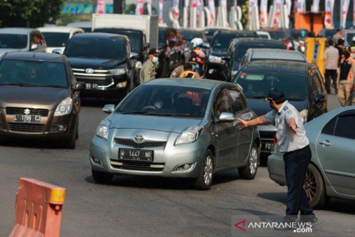 Sebanyak 3.169 kendaraan dipaksa putar balik saat hari pertama larangan mudik