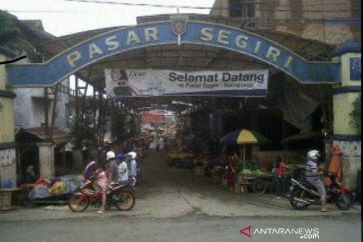 Penyekatan jalur antarkota berdampak pada kunjungan di Pasar Segiri