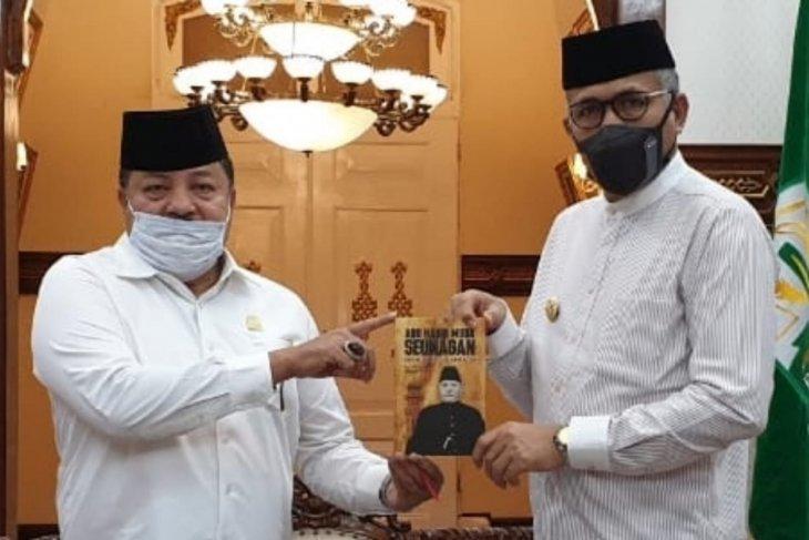 Temui gubernur, buku sejarah Habib Muda Seunagan akan disebar ke sekolah di Aceh