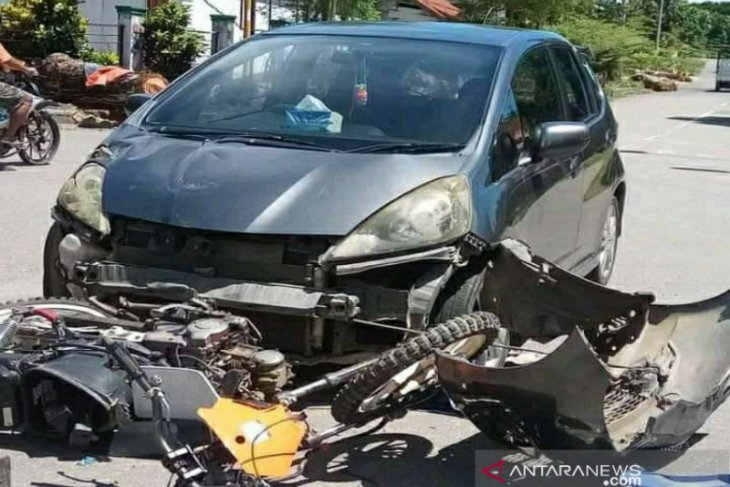 Sebuah mobil tabrak pejalan kaki hingga tewas di Sambas