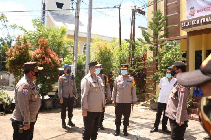 Wakapolda Kalbar meninjau pos Pengamanan Opersi Ketupat Kapuas 2021