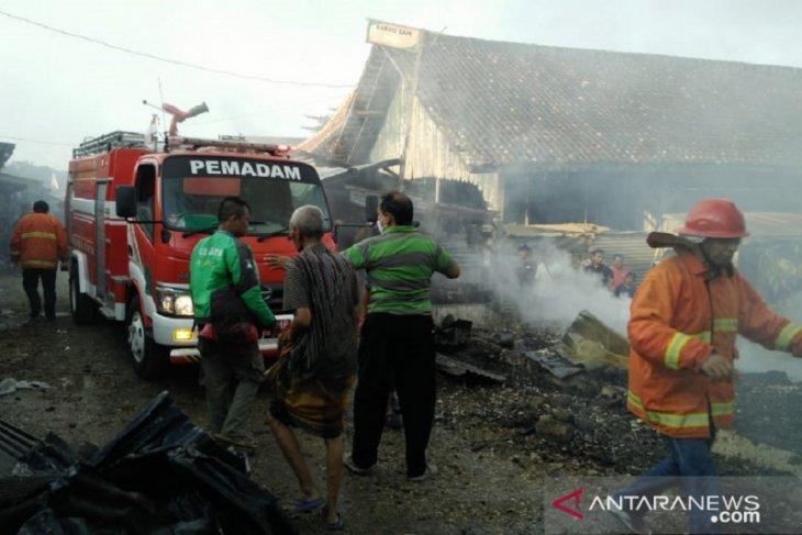 Pasar Tradisional 17 Agustus di Pamekasan terbakar