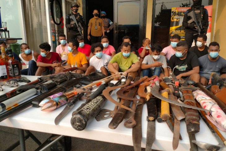 Polisi telusuri adanya temuan senjata api dan drone di Kampung Ambon