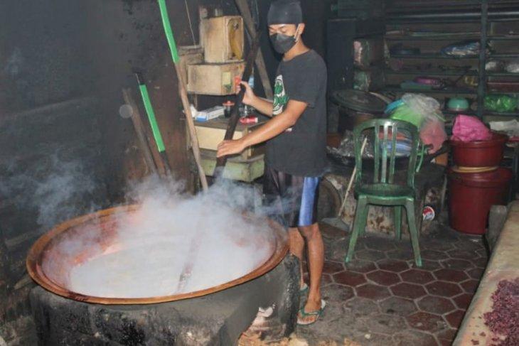 Penjualan  jenang candi jajanan khas Magetan meningkat jelang Lebaran