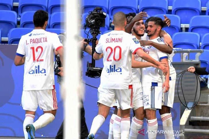 Lyon sodok tiga besar saat hantam Lorient