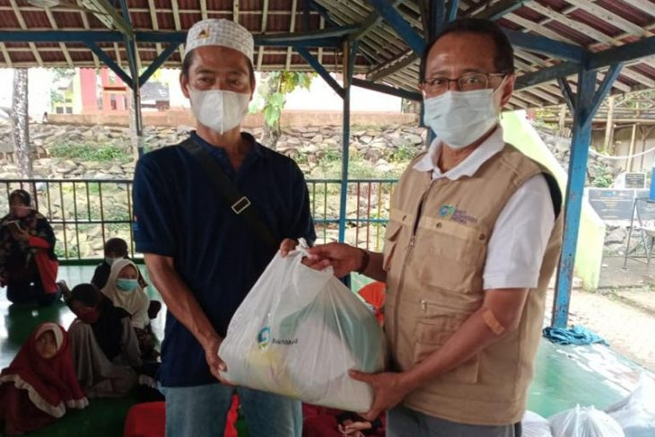 Yayasan BaktiMed bagikan bingkisan 80 KK pemulung TPA Bantar Gebang