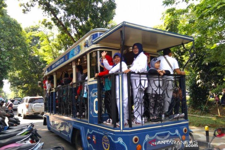 Pemkot Bogor libatkan perajin batik berkontribusi buat desain untuk bus bantuan