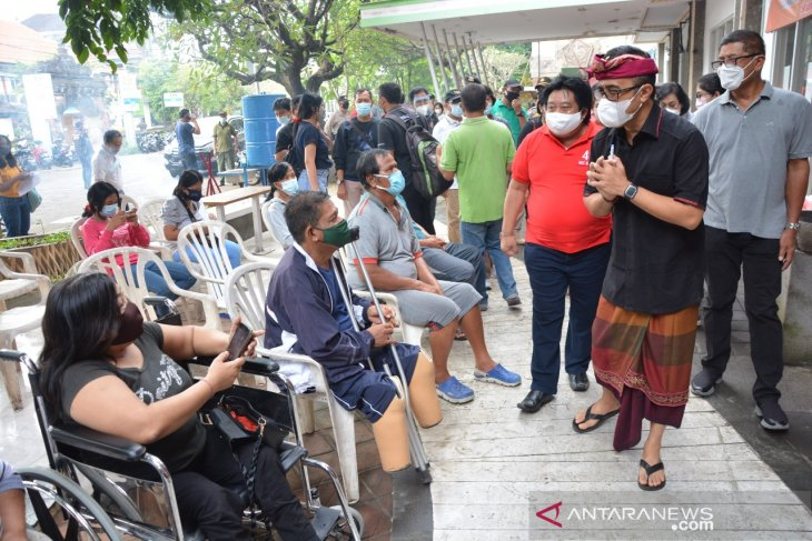 Wali Kota Denpasar kunjungi tempat vaksinasi COVID-19 bagi penyandang disabilitas