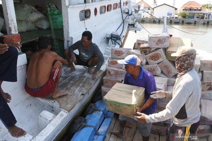 Distribusi Sembako ke Pulau Madura
