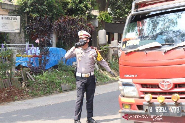 Polres Sukabumi tindak  jasa travel gelap bawa pemudik