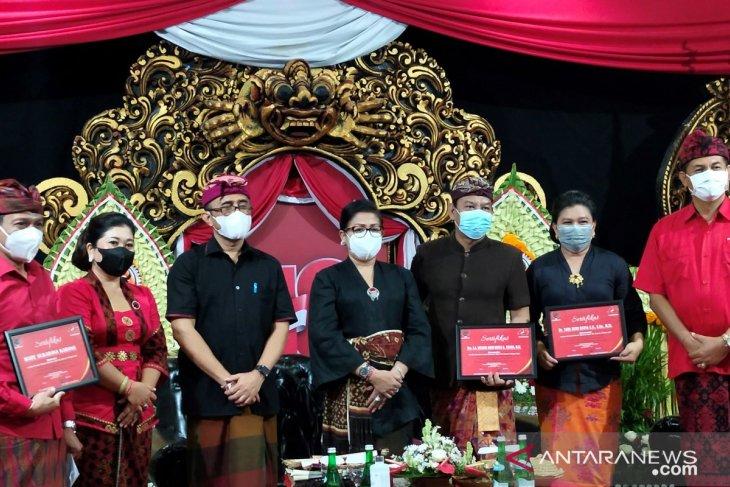 Kader PDIP Putri Koster dukung Desain Kreasi Busana Adat