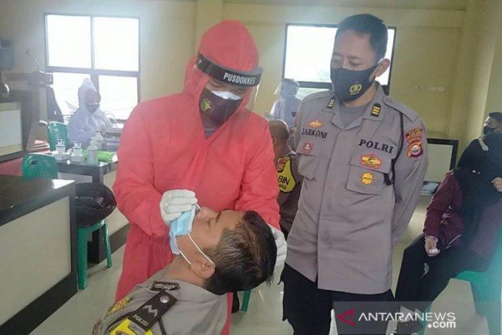 Dinkes periksa 3.608 sampel usap warga Rejang Lebong