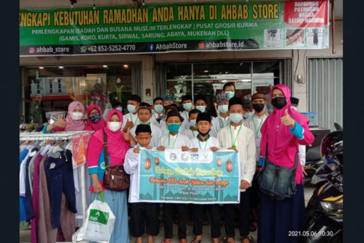 YBM PLN Kalbar ajak anak yatim dan dhuafa belanja baju lebaran