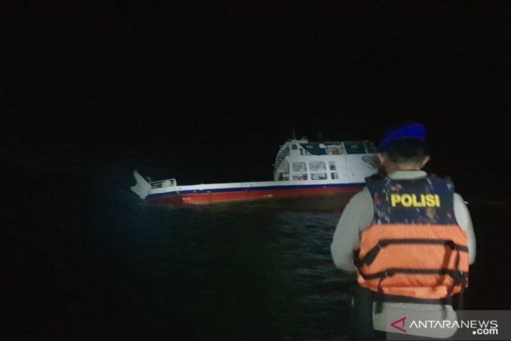 Kandasnya Kapal Fery di Pulau Suwangi belum dapat dievakuasi akibat cuaca
