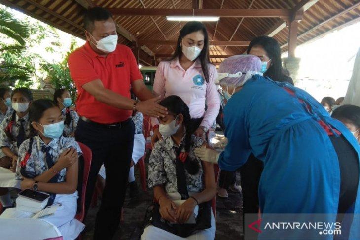 Pemkab Gianyar adakan vaksinasi kanker rahim pada siswi SMP