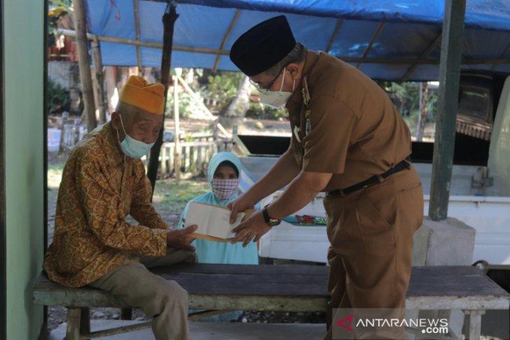 64 veteran dan janda veteran pejuang kemerdekaan di HSS terima tali asih