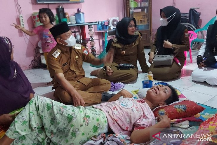 Peduli kesehatan, Plt Wali Kota Tanjungbalai kunjungi warga sakit