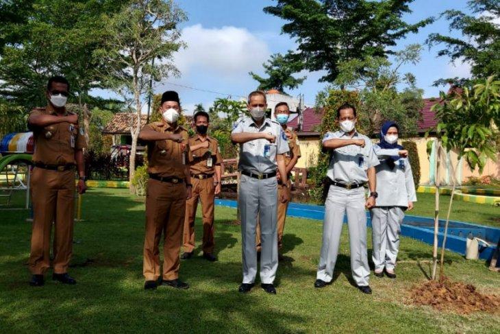 Lestarikan alam, Jasa Raharja Jambi tanam bibit pohon
