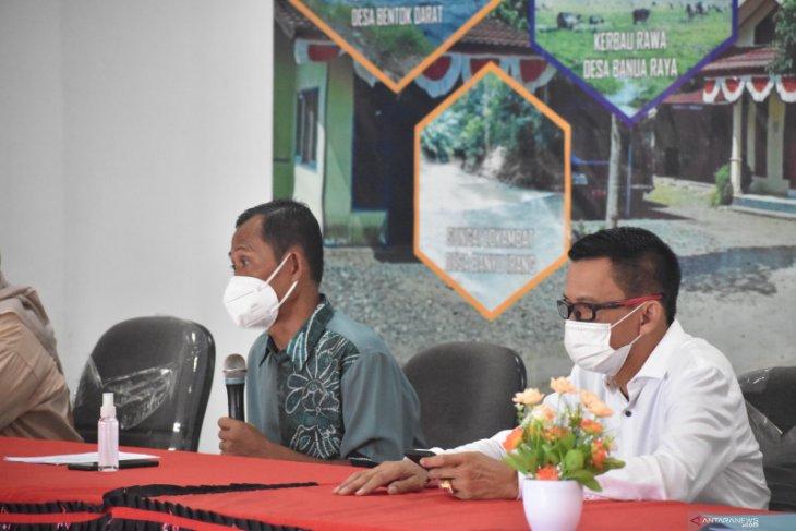 Bupati berharap kepala desa se-Kecamatan Bati-Bati mencontoh BUMDes Berkah Mulia