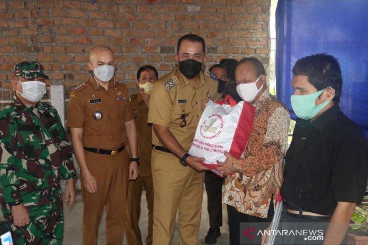 Pemkot Medan salurkan 300 paket bahan pokok bagi tunanetra