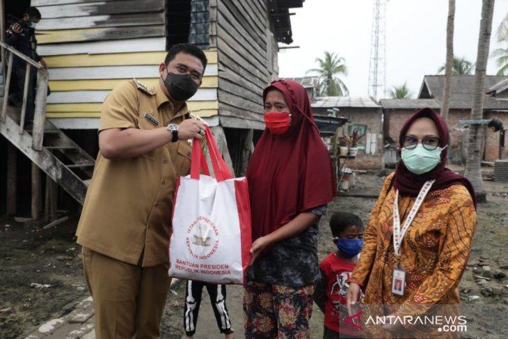 700 paket bantuan Presiden disalurkan kepada nelayan di Medan