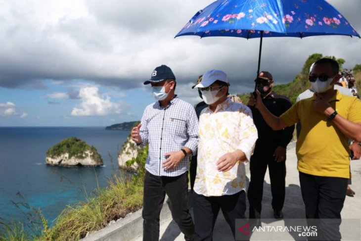 Menteri PPN kagumi potensi alam di Nusa Penida yang indah