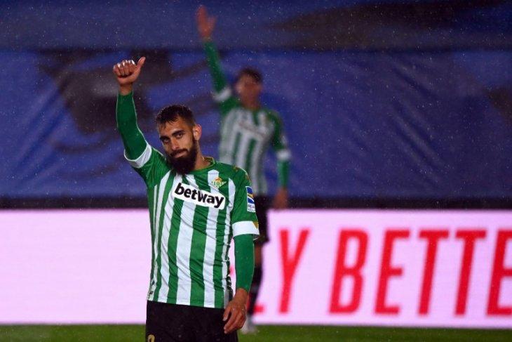 Betis masuk zona Liga Europa setelah taklukkan Granada