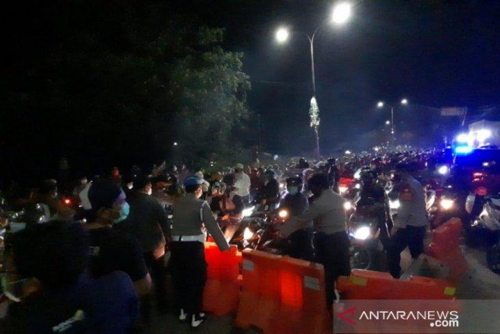 24.477 kendaraan pemudik diputar balik di titik penyekatan Bekasi
