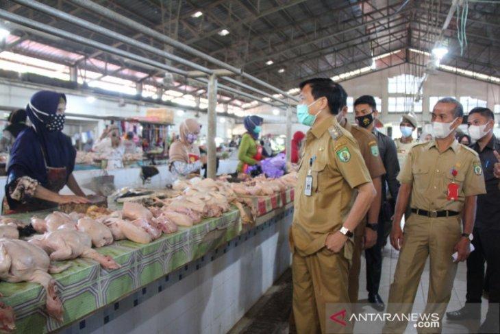 Wabup pantau harga sembako di pasar Paringin