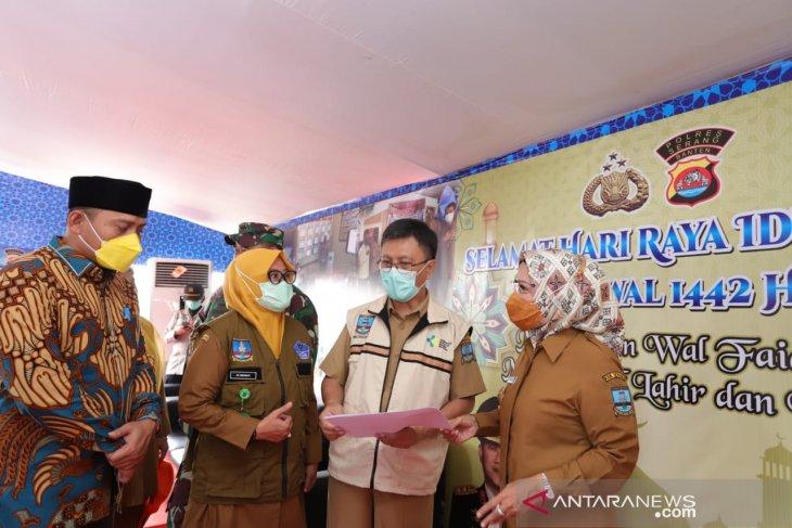 Pantau Pospam, Bupati Serang terima laporan dua pemudik positif COVID-19
