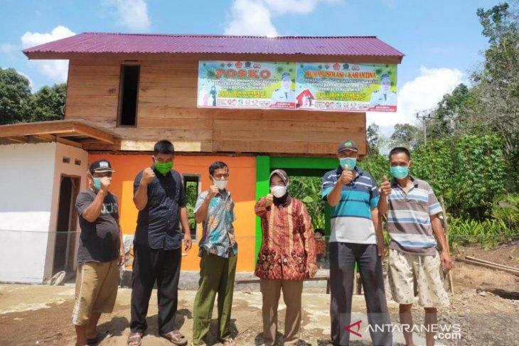 Desa di Rejang Lebong dirikan rumah isolasi